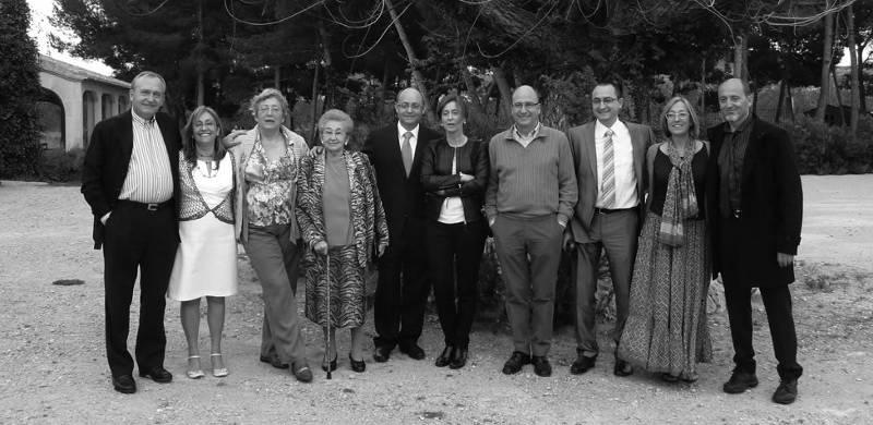 Gil Estates Family rodzina