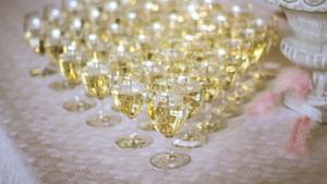 jakie wino wybrać na wesele